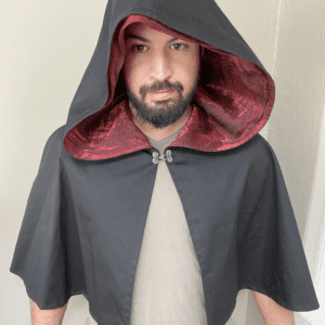 Hooded Caplet