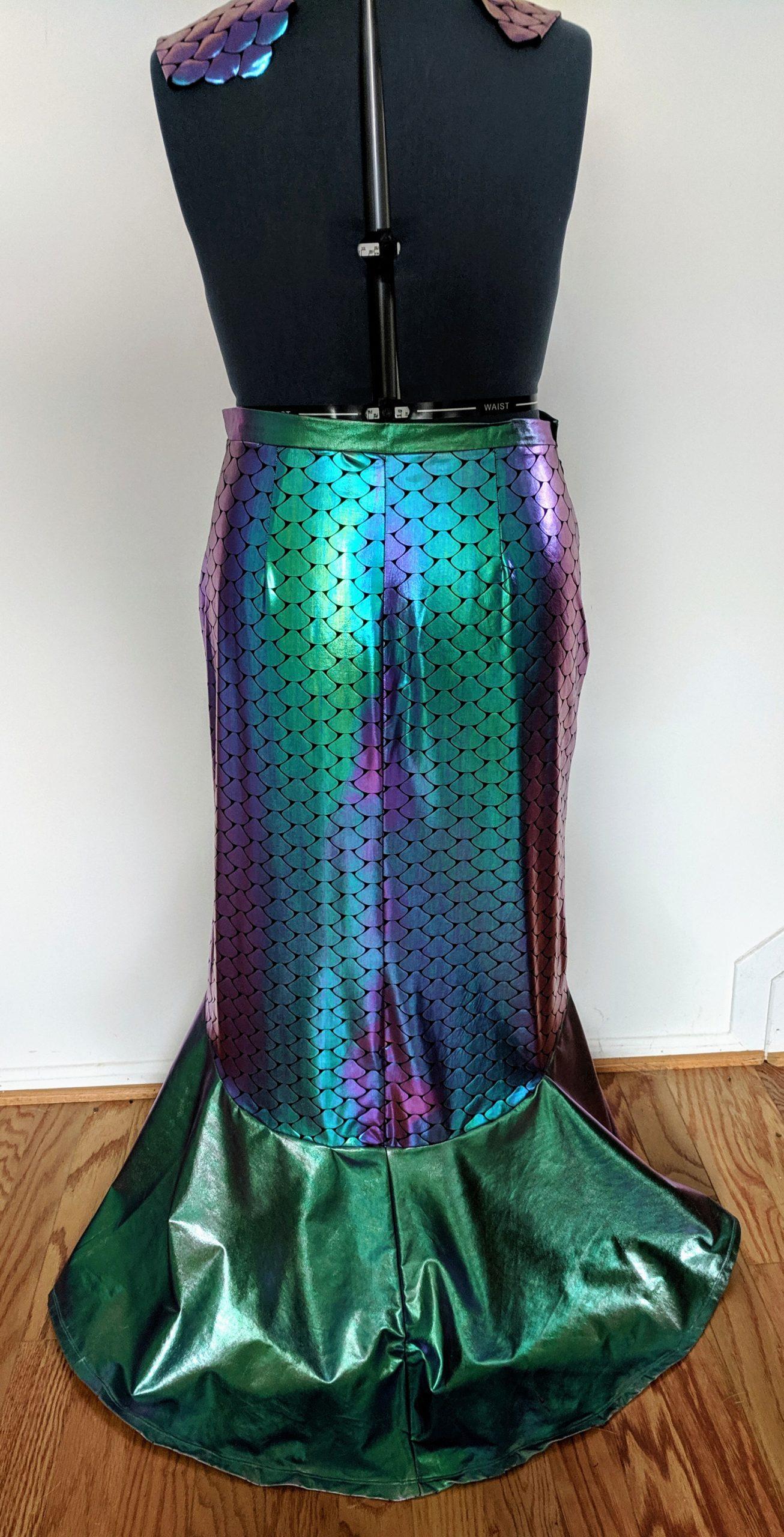 Oilslick Mermaid Skirt + matching bracers (L-XL)
