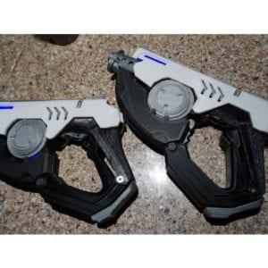 Overwatch Tracer's Pulse Pistols